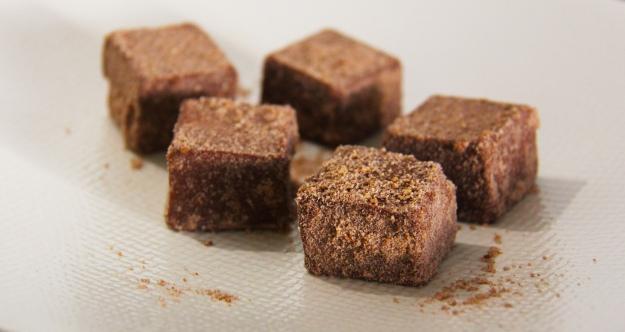 טראפלס שוקולד טבעוניים, בציפוי ביסקוויטים טחונים